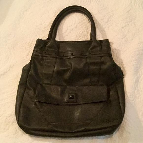 Volcom Handbags - Excellent condition VOLCOM leather bag